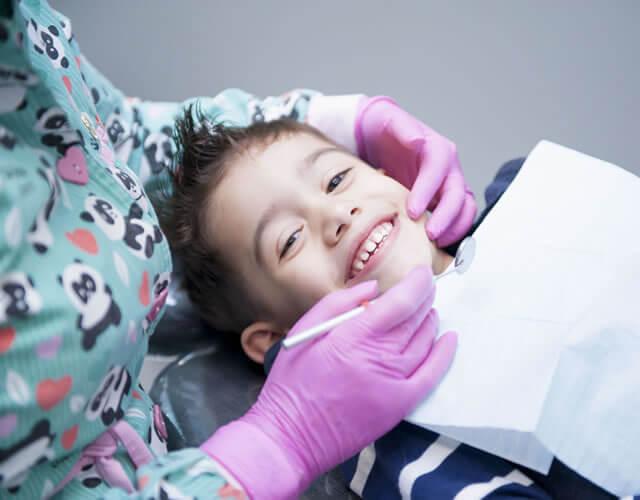 Instalação de Aparelhos Dentais Fixos e Móveis